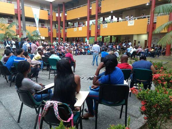 Unipacífico en Buenaventura, controlado por el centro democrático y sin funcionar