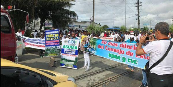 Manifestantes de Anchicayá cierran el Puente del Piñal por incumplimientos de EPSA | Noticias de Buenaventura, Colombia y el Mundo