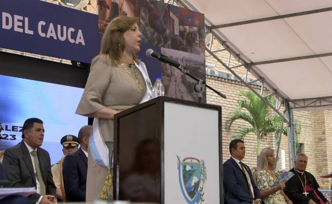 Así fue la posesión de Clara Luz Roldán como Gobernadora del Valle del Cauca