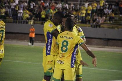 Atlético Huila fue arrollador en la capital: superó 0-4 a Bogotá