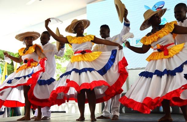 Bailarines del Pacífico