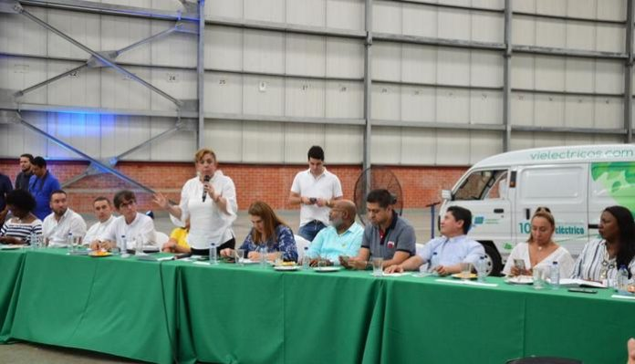 Gobernadora propone a empresarios de Buenaventura