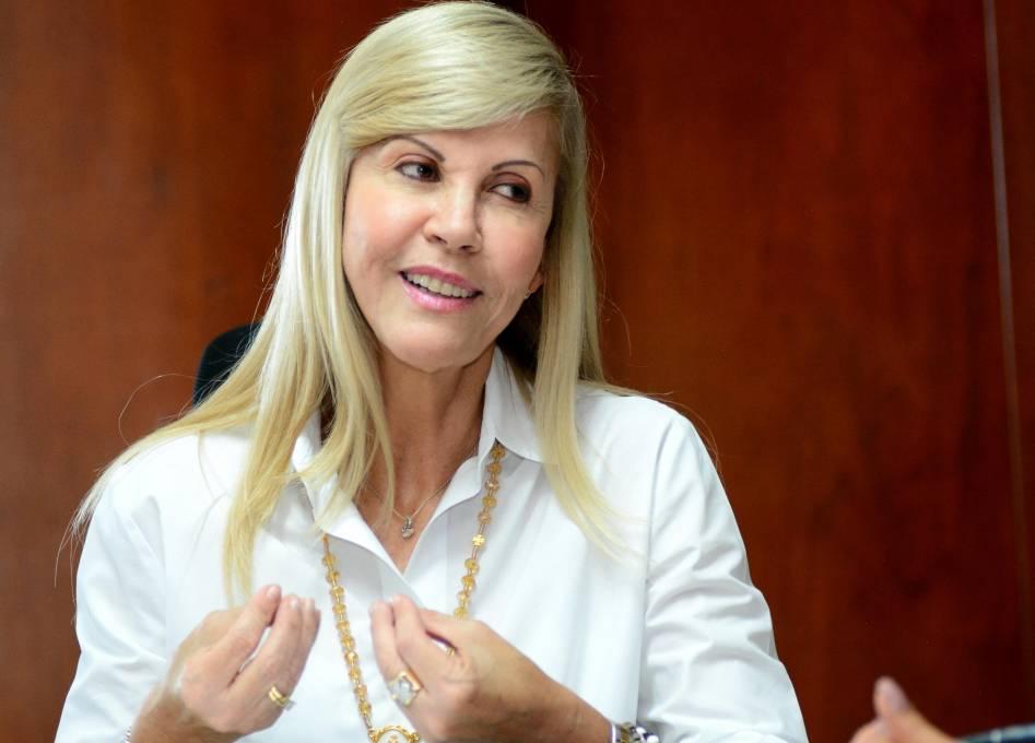 Libertad a médicos y parte de población carcelaria para que apoyen lucha contra el Coronavirus, propuesta de Dilian Francisca Toro