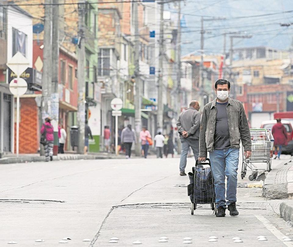 El deterioro del consumo, el otro mal que trae la pandemia | Economía