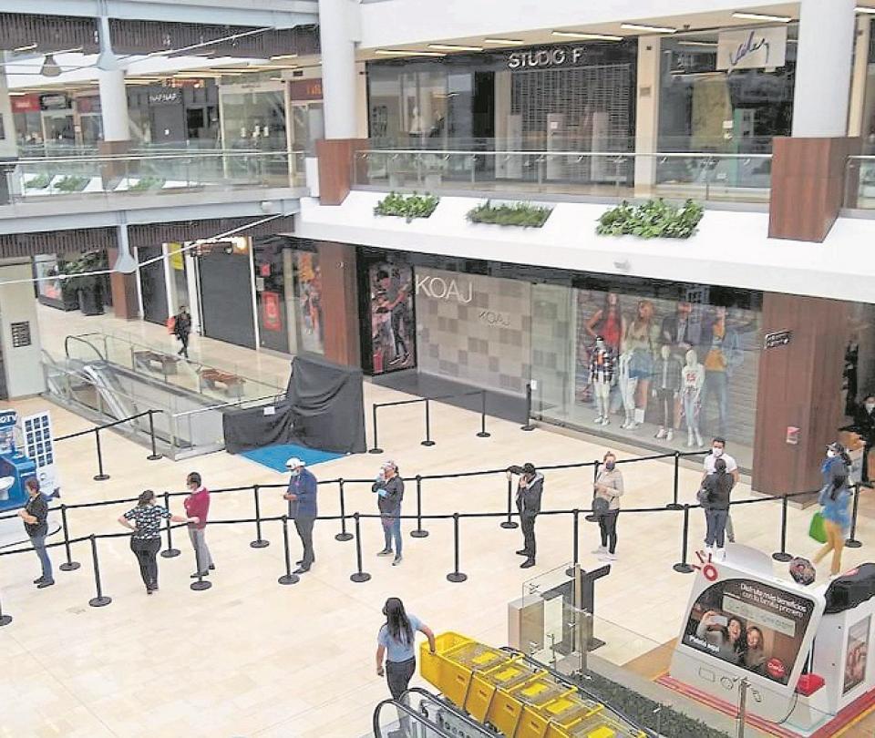 Los centros comerciales, con ventas en mínimos históricos | Economía