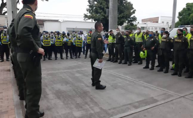 Más de 300 miembros de la Fuerza Pública velan por cumplimiento de la cuarentena en Palmira