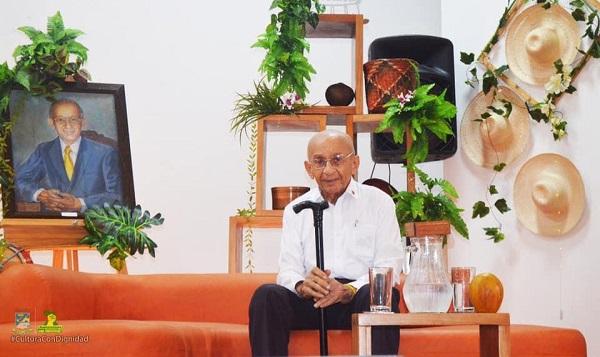 Historiador Roberto Lozano Batalla