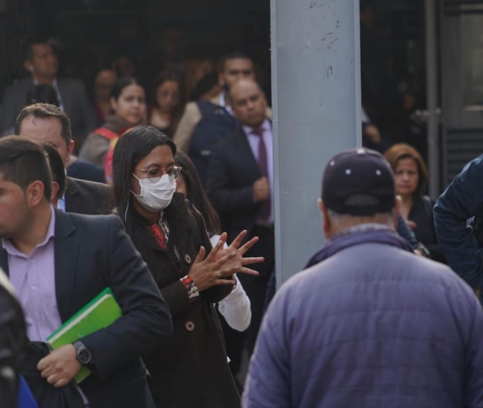 Denuncian sobrecostos en contratos de alimentos y salud en cuarentena | Economía