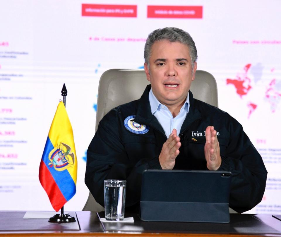 Duque rechaza idea de ministro Carrasquilla de una reforma tributaria - Gobierno - Política