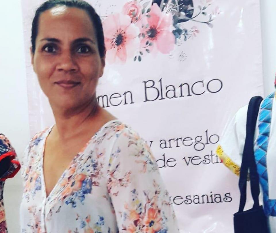 Víctima del conflicto Carmen Blanco ahora es diseñadora de modas - Proceso de Paz - Política