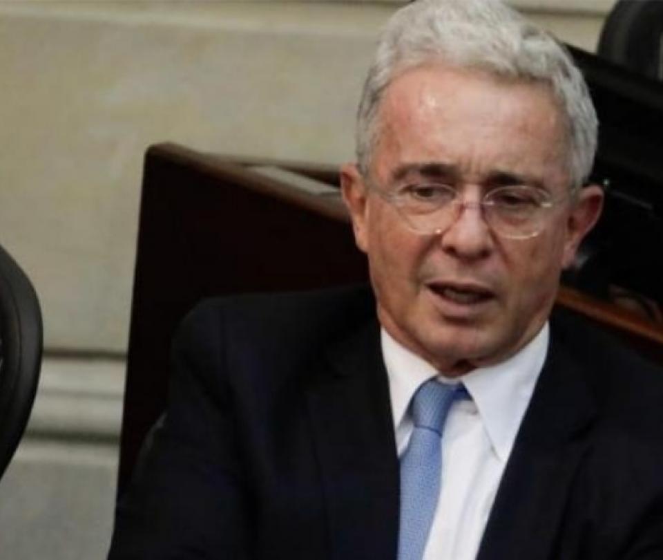 Álvaro Uribe y la Dimayor, qué les dijo el expresidente a los equipos. Noticias Colombia - Fútbol Colombiano - Deportes