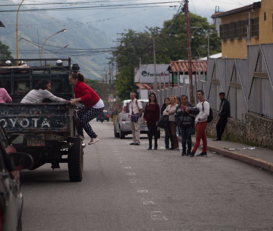 Adaptación y superación, alternativas ante la escasez en Venezuela | Economía