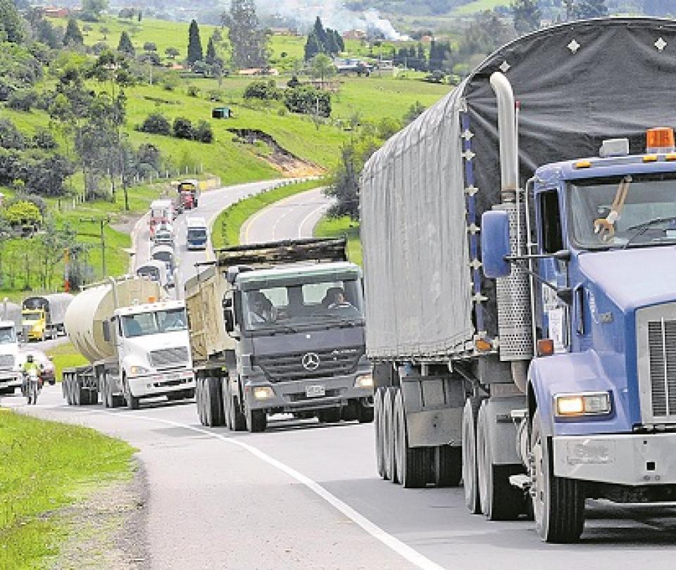 Carga movilizada en puertos cae 1,7 millones de toneladas | Economía