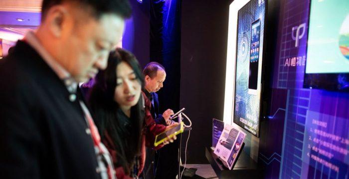 EE.UU. propone proyecto de ley para prohibir que personal federal use tecnología respaldada por China | Virus del PCCh | Senadores | Estados Unidos