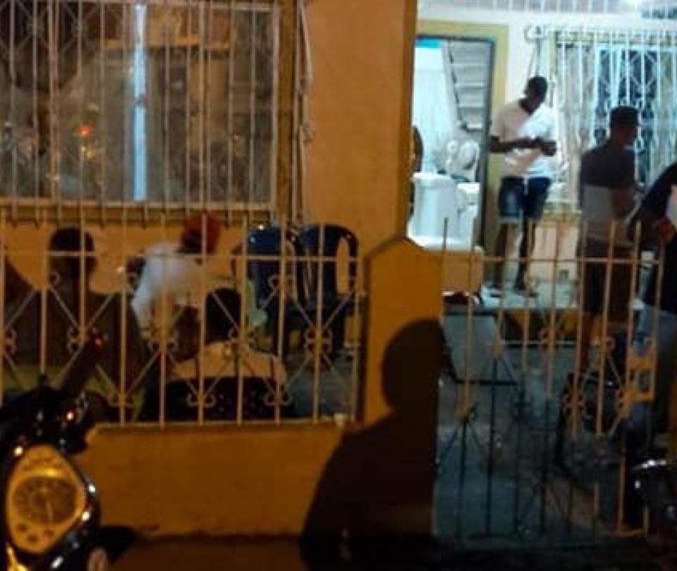En Tumaco están arrebatando los féretros con muertos por covid-19 - Cali - Colombia