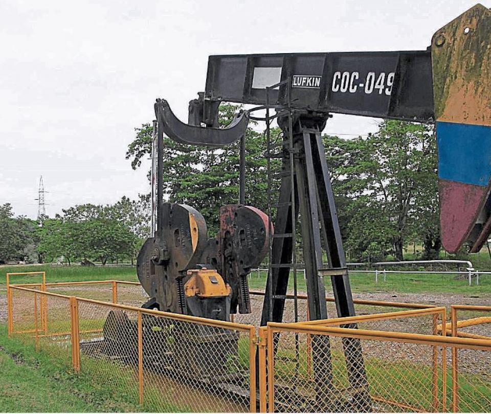 Oscuro panorama para el sector petrolero colombiano por la covid-19 | Economía