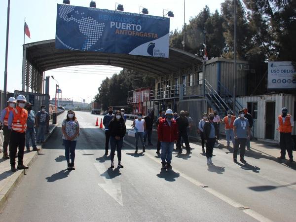 Puerto Antofagasta dispuso sus instalaciones para vacunar a más de 400 transportistas contra la influenza