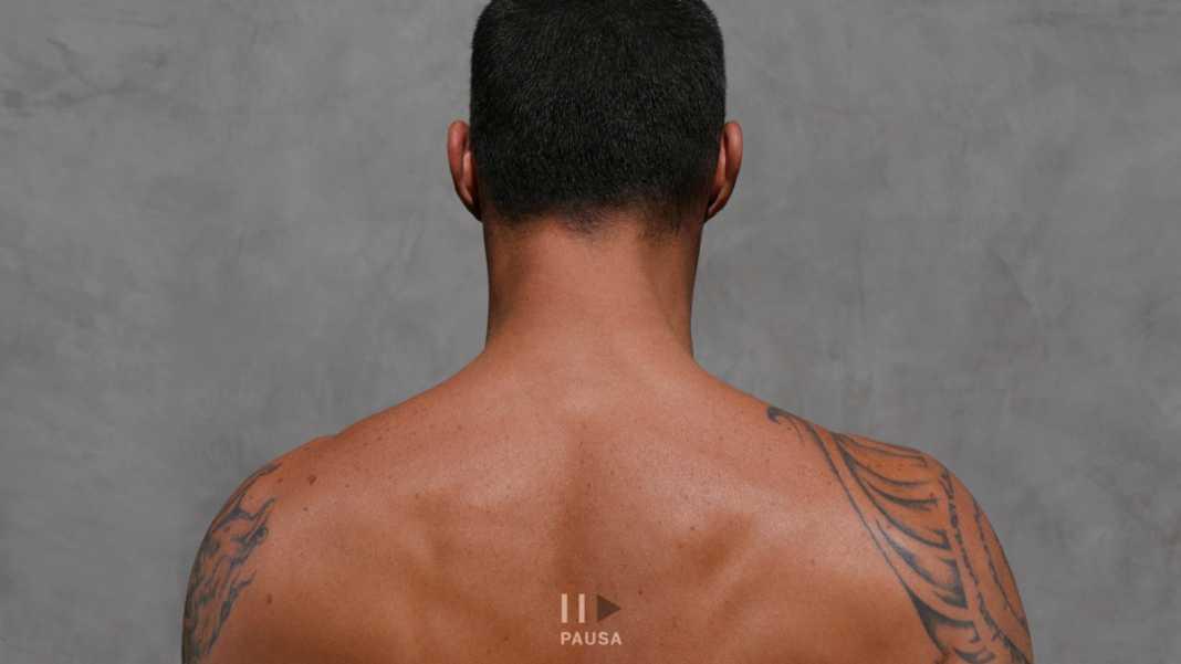 """Ricky Martin sorprende con """"Pausa"""", un EP en el que muestra su lado más vulnerable durante la cuarentena"""