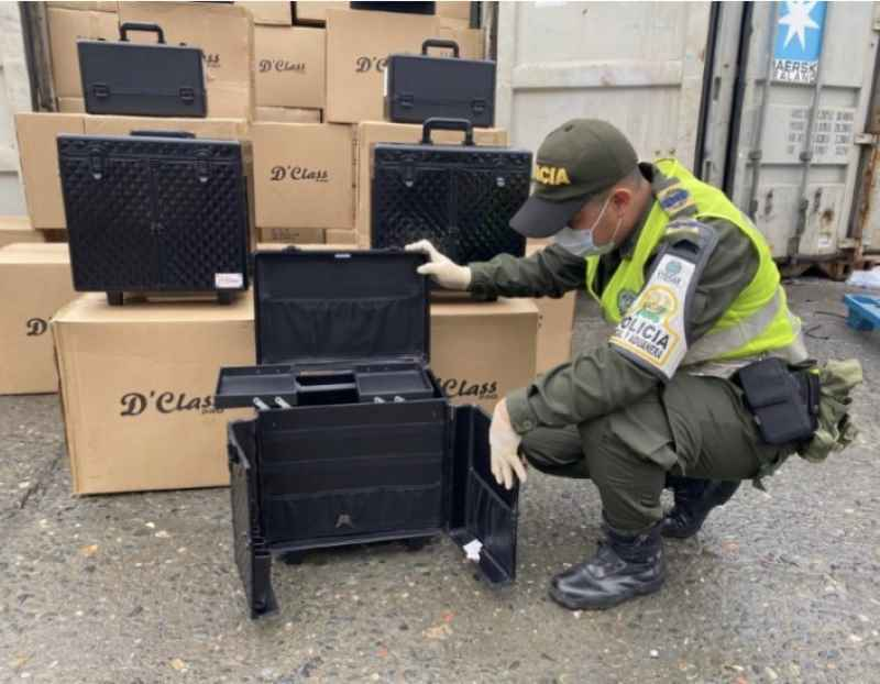 cae contenedor con 40 millones de contrabando