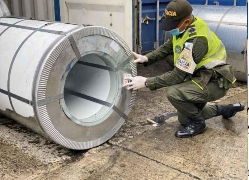 Polfa en Buenaventura incautó 10 contenedores con láminas de acero de contrabando