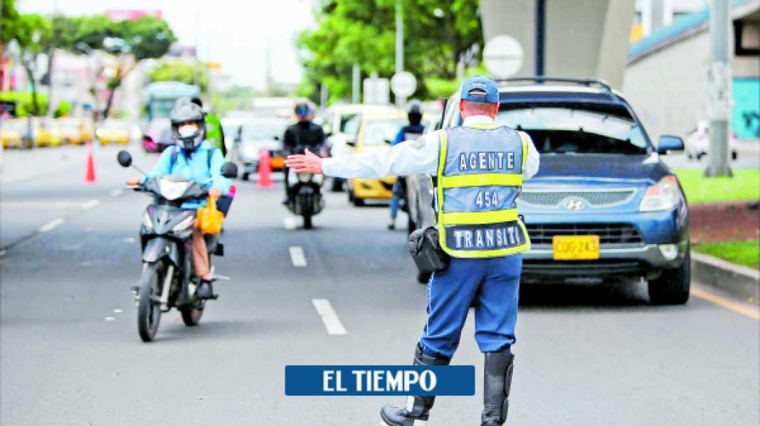 Agente de tránsito da positivo covid-19 y aíslan a 37 colegas en Cali - Cali - Colombia