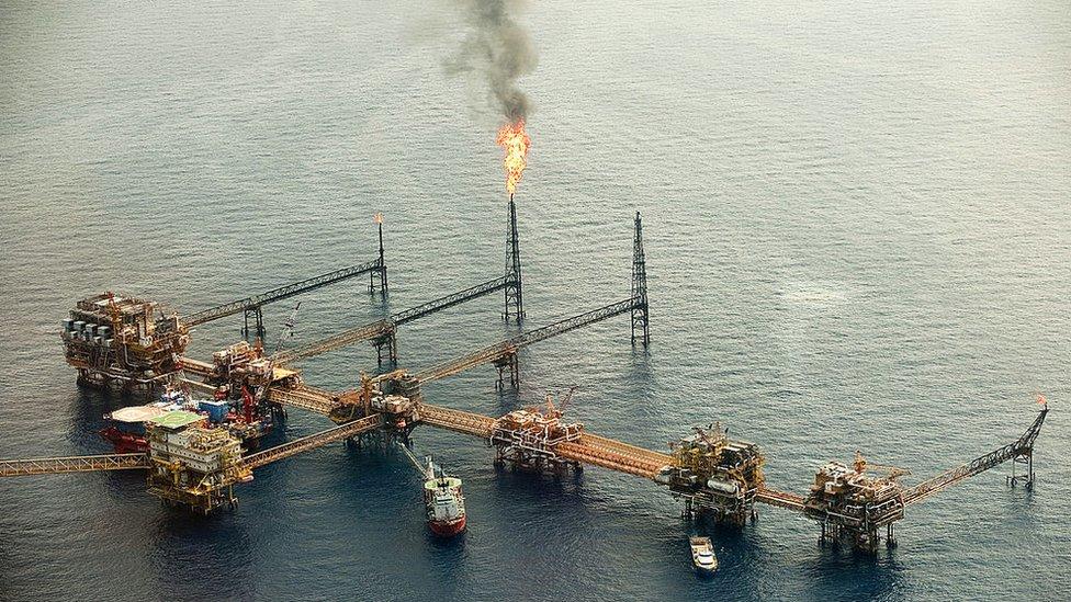El pescador que descubrió el más grande tesoro petrolero de México (y murió en el abandono) - Sector Financiero - Economía