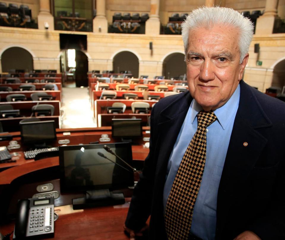 Forerito el hombre que maneja el audio del Senado hace más de 40 años - Congreso - Política