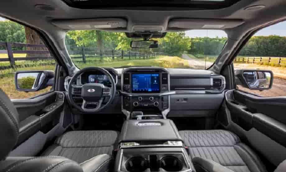 La rediseñada Ford F-150 combina nueva tecnología con más resistencia