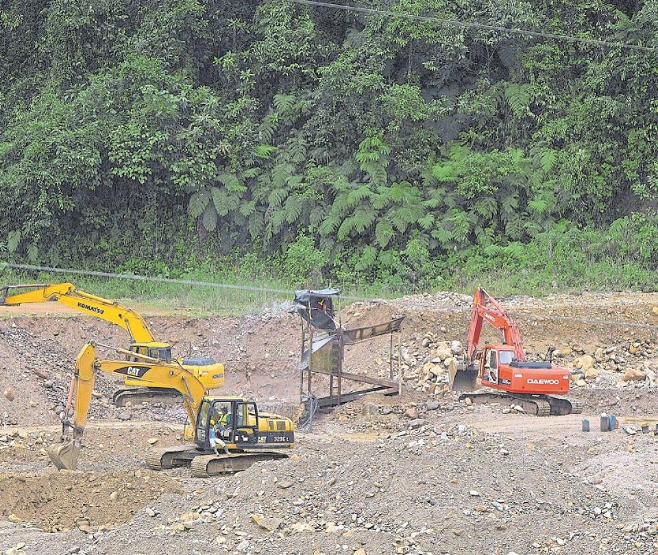 Así combatiría el Estado la minería ilegal en el país | Economía
