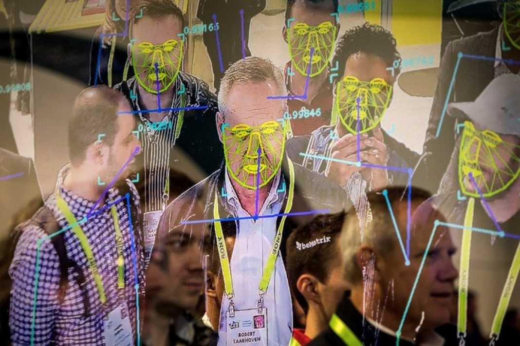 Los sistemas de reconocimiento buscan en base de datos de rostros descubiertos. Ahora no encuentran imágenes coincidentes y pueden colapsar.