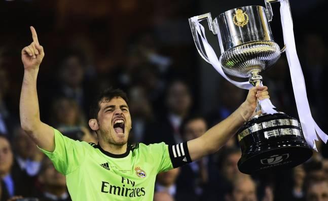 ¡Se jubiló! Iker Casillas, el emblemático arquero español, anunció su retiro del fútbol