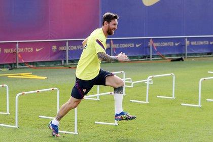 Messi se entrenó con un vendaje en el comienzo de la semana