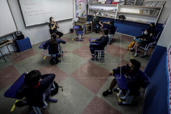 Brasil vive el dilema de reabrir o no las escuelas ante una pandemia que no cesa