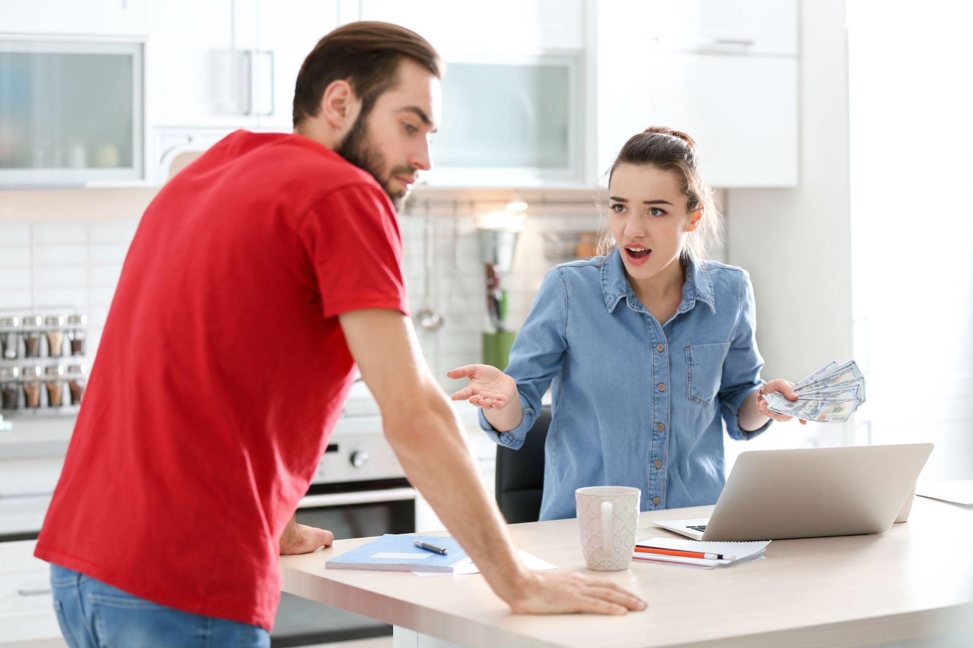 Cómo tener cuentas claras con tu familia (y no pelearse por dinero)