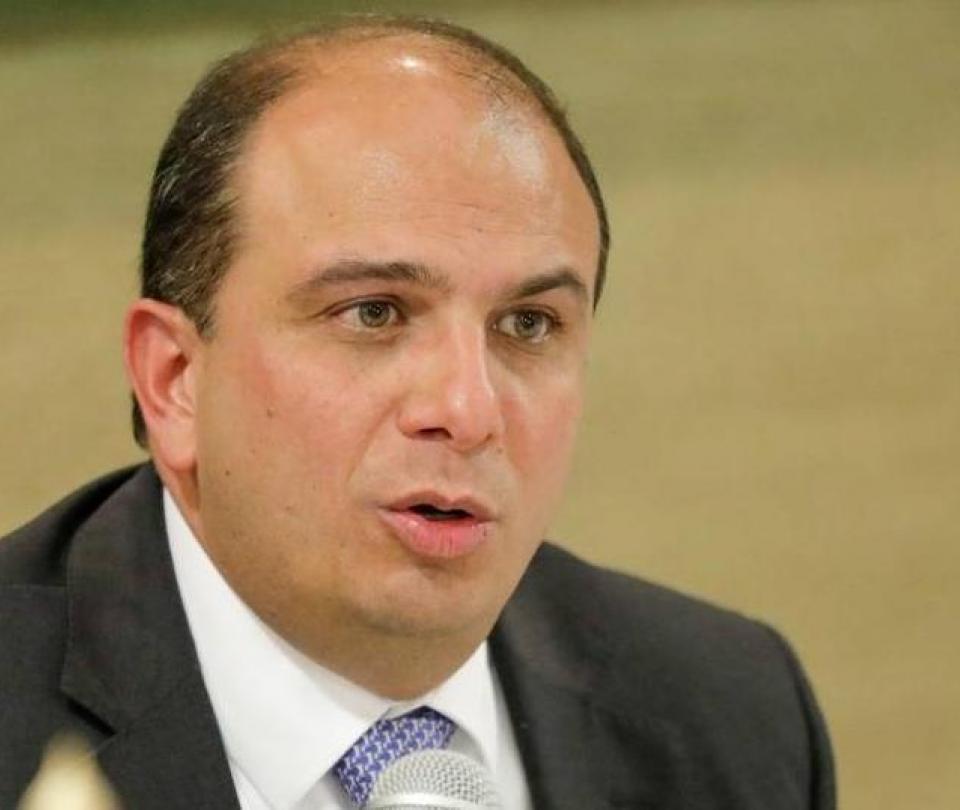 Carlos Camargo lidera en elecciones para ser Defensor del Pueblo en Colombia - Congreso - Política