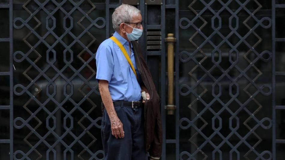 Coronavirus hoy: adultos mayores de 70 años podrán salir a la calle tras tumbar restricciones - Servicios - Justicia
