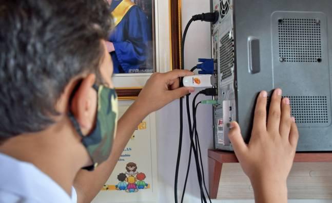 Esta es la estrategia para conectar a Internet a los estudiantes del Valle