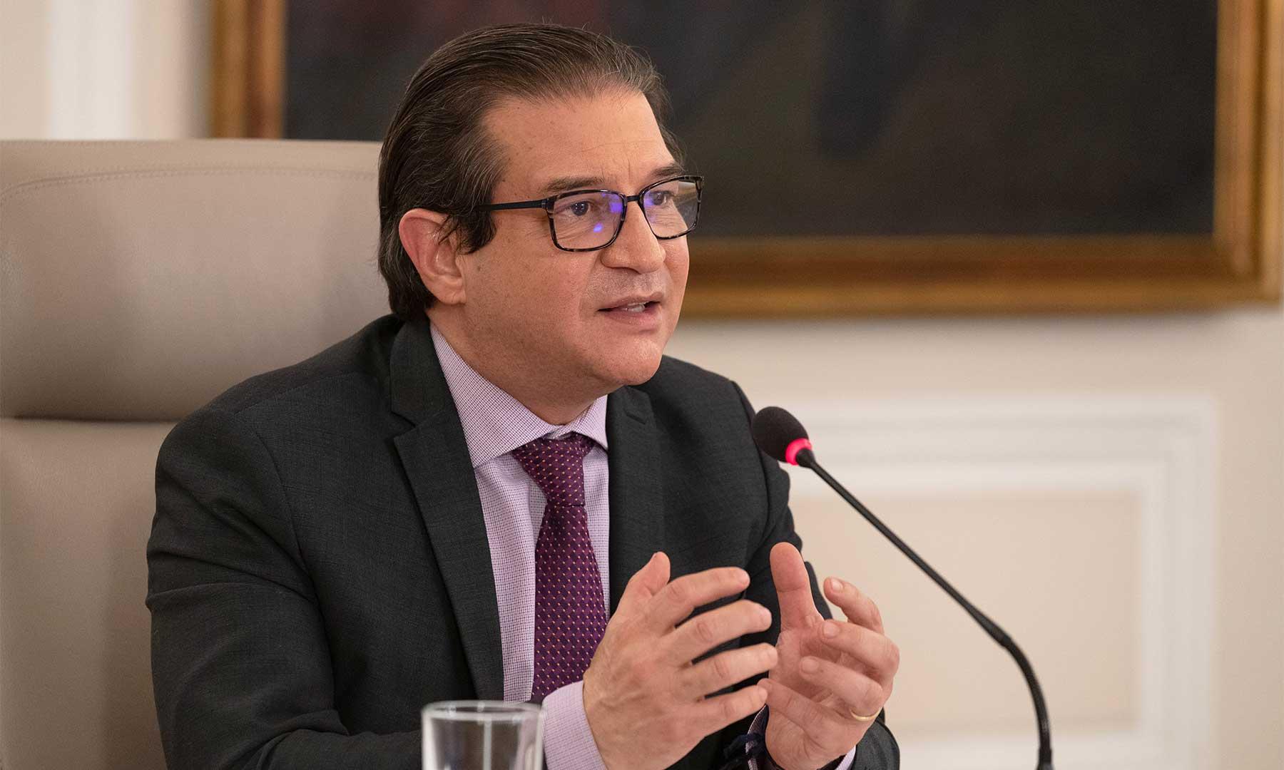 Ministro de Agricultura, Rodolfo Zea, créditos, $1.4 billones, apoyar, productores, campo.