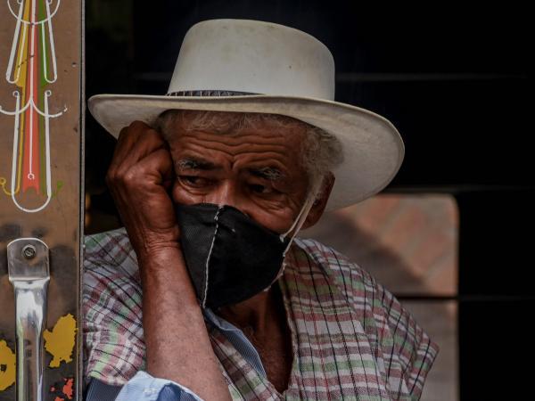 Tumban cuarentena obligatoria para adultos mayores de 70 años | coronavirus en colombia hoy| 12 agosto 2020 | Gobierno | Economía