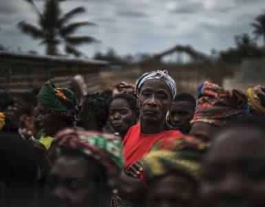 1.500 muertos y 300.000 desplazados: un área con enormes reservas de gas y rubíes e islas lujosas en África, epicentro de una guerra con yihadistas