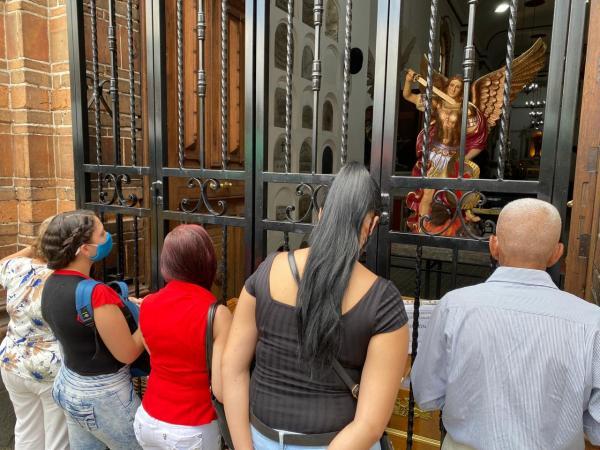 Reapertura de iglesias en Medellín