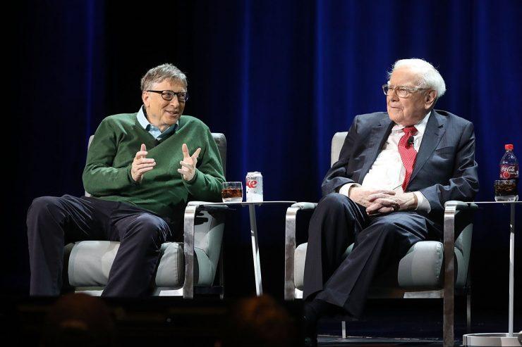 El mejor libro de negocios jamás escrito, según Bill Gates y Warren Buffett