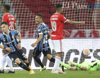 Gremio venció a Inter en el clásico y lo alcanzó en la punta del grupo E de la Copa Libertadores