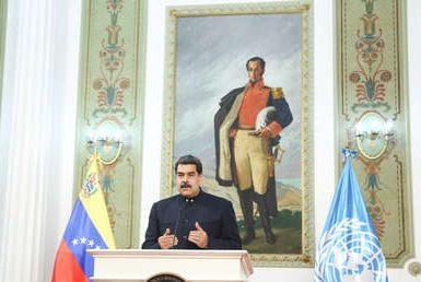 """Maduro presenta la 'Ley Antibloqueo' ante la ANC y denuncia que el país ha perdido """"99 % de sus ingresos en divisas"""" debido a las sanciones"""