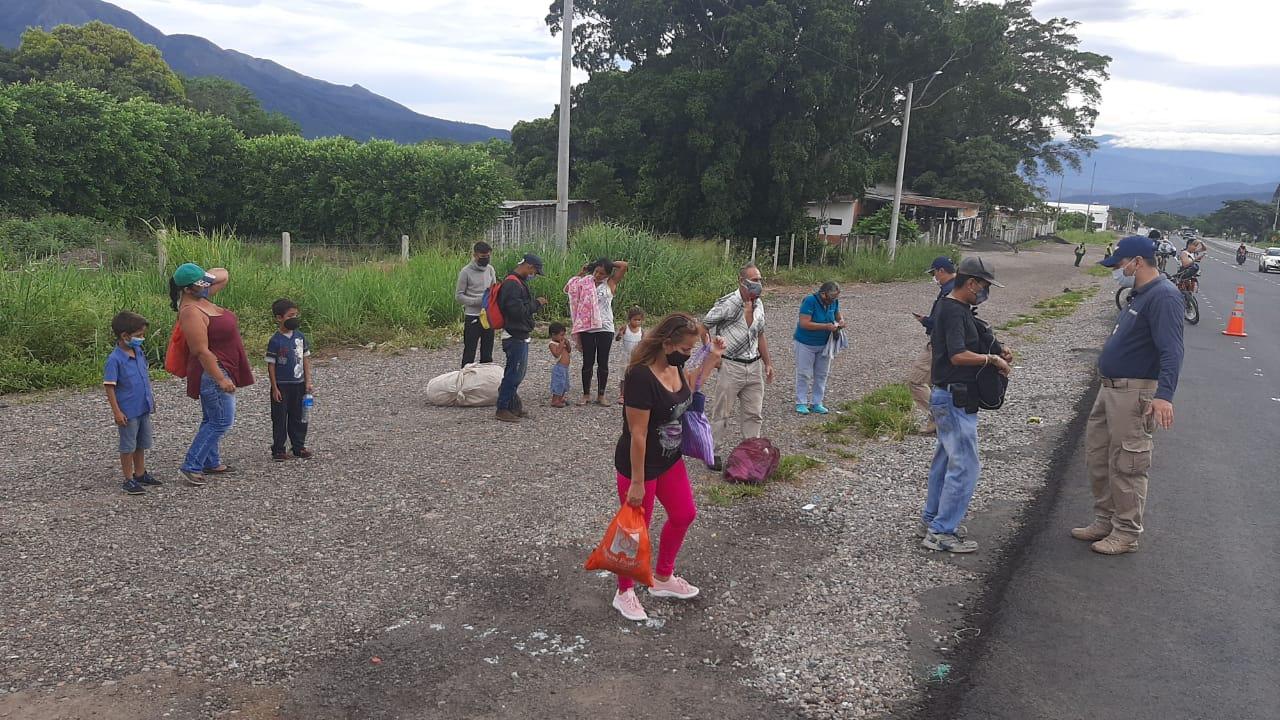 Miles de venezolanos regresan a Colombia tras cuarentena en su país