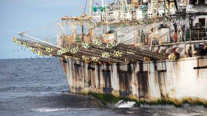 La presencia de pesqueros chinos preocupa a EEUU y la región