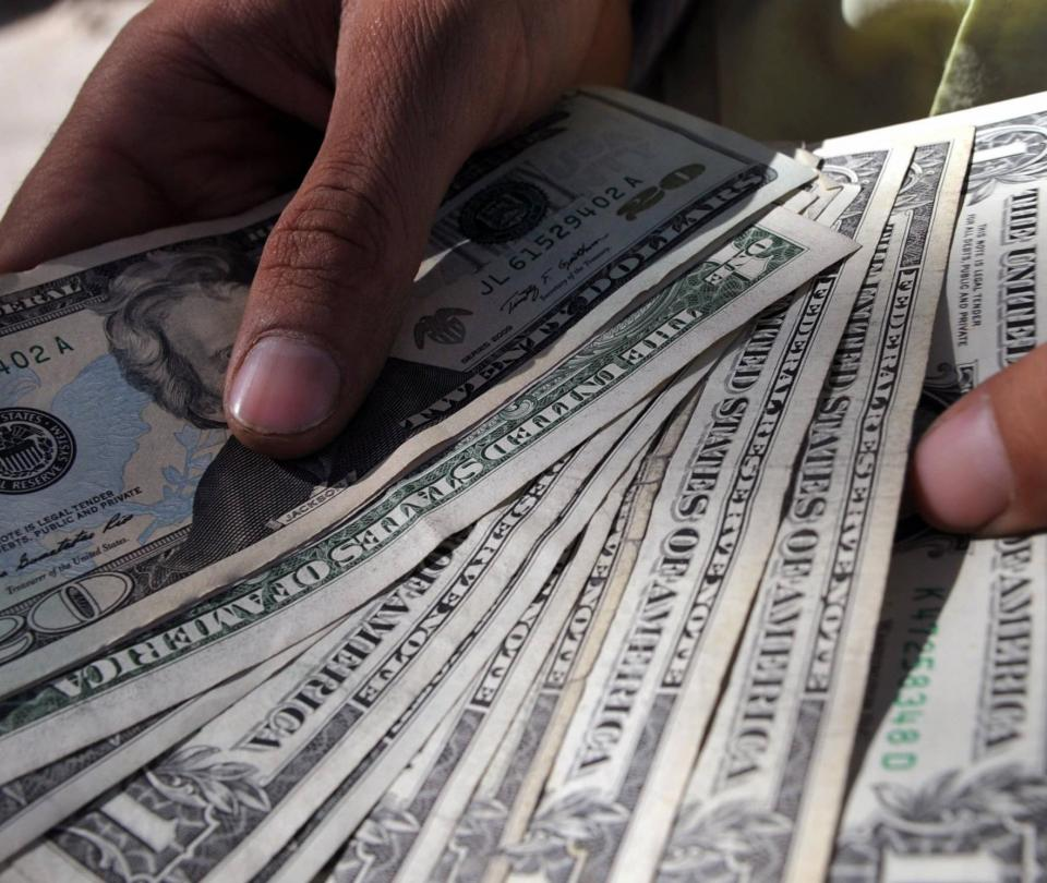 Qué tan costoso estará el dólar en Colombia al cierre del 2020 - Sector Financiero - Economía