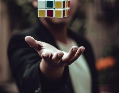 7 ideas para aprender sobre liderazgo jugando con el cubo de Rubik
