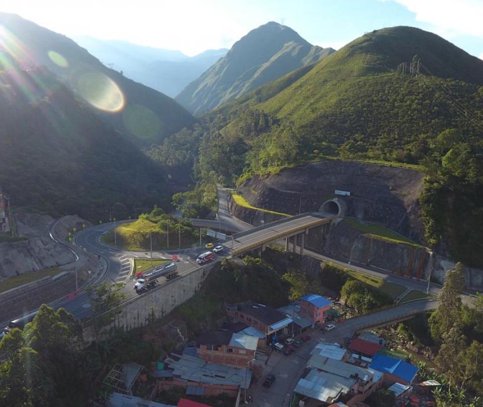 Adelantarán nuevas obras en puntos críticos de la vía Bogotá- Villavicencio | Infraestructura | Economía