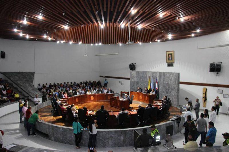 Aplanadora de la coalición en el Concejo aprobó millonario endeudamiento por $650.000 millones